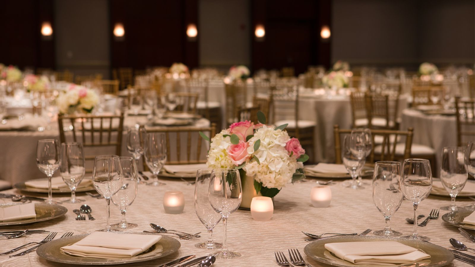 Meeting Space Near BWI Airport | Crosslands Ballroom